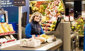 Kassa medewerker DEEN Supermarkt